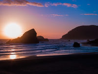 Setting Sun at Maiden's Head Rock,Blue,Oregon ,Coastal,Pacific Ocean,Sunset,Yellow,horizontal
