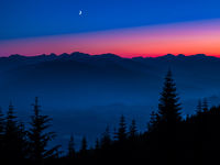 Crescent Moon-2,Moon,Sunset,Trees,Washington,mountains,Mount Baker-Snoqualmie National Forest, Night,Crescent,Shine,Bright