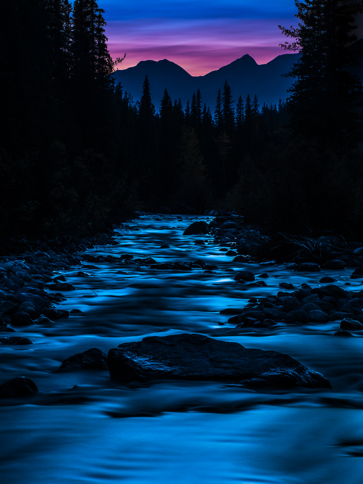 Maligne River,Jasper National Park,Maligne River,Canada,Tripod, photo