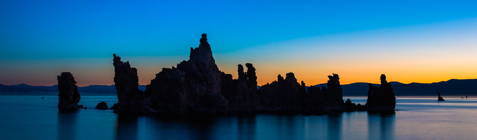 Twighlight Tufa,Horizontal,panoramic,blue,green,pink,Mono lake, water,Sunrise,Scatter,Lake, photo