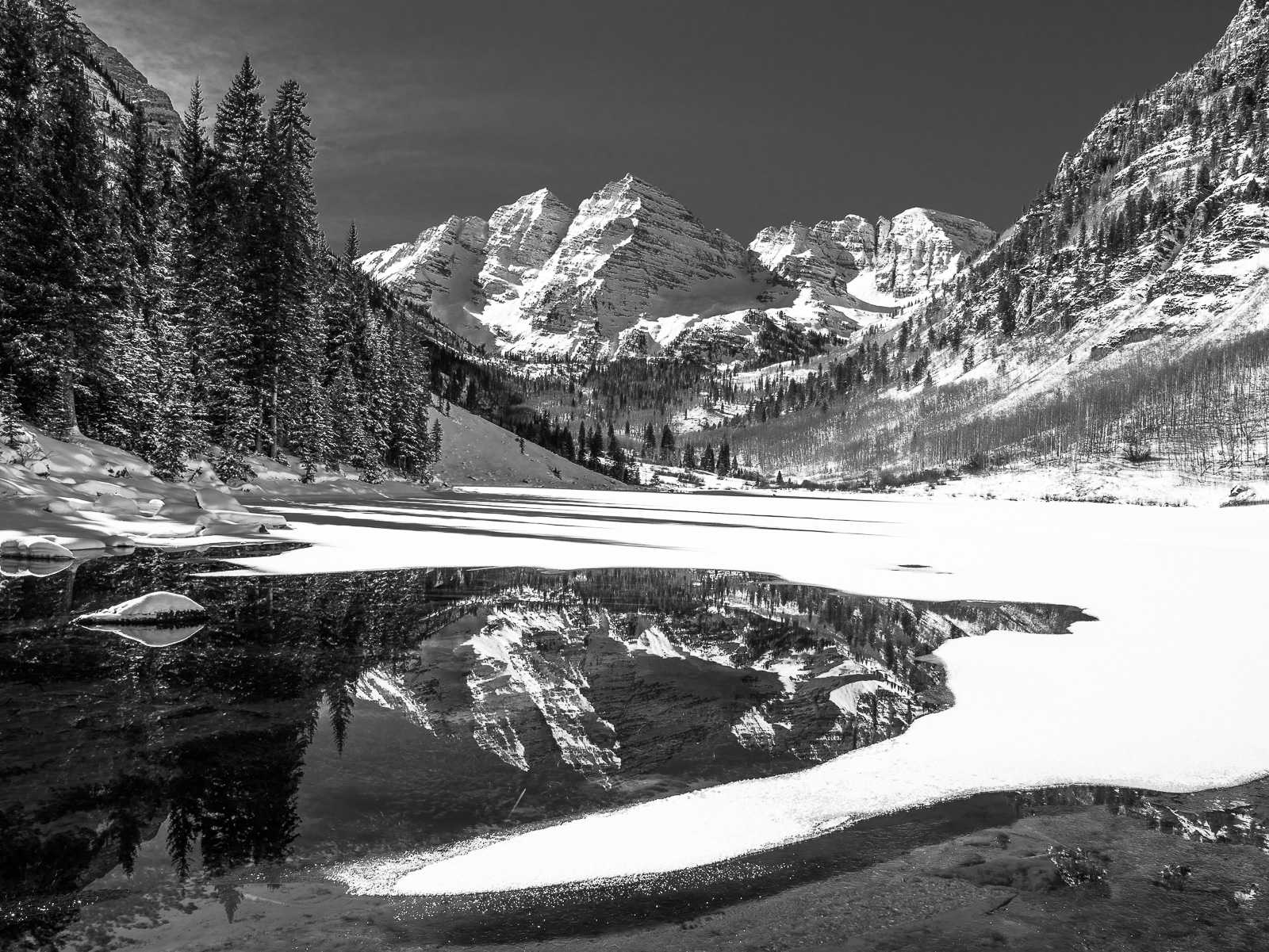 Maroon Bells, Black and White, Colorado, horizontal, Bell, Snow, Rocky Montains, BW, B&W, Black, White, photo