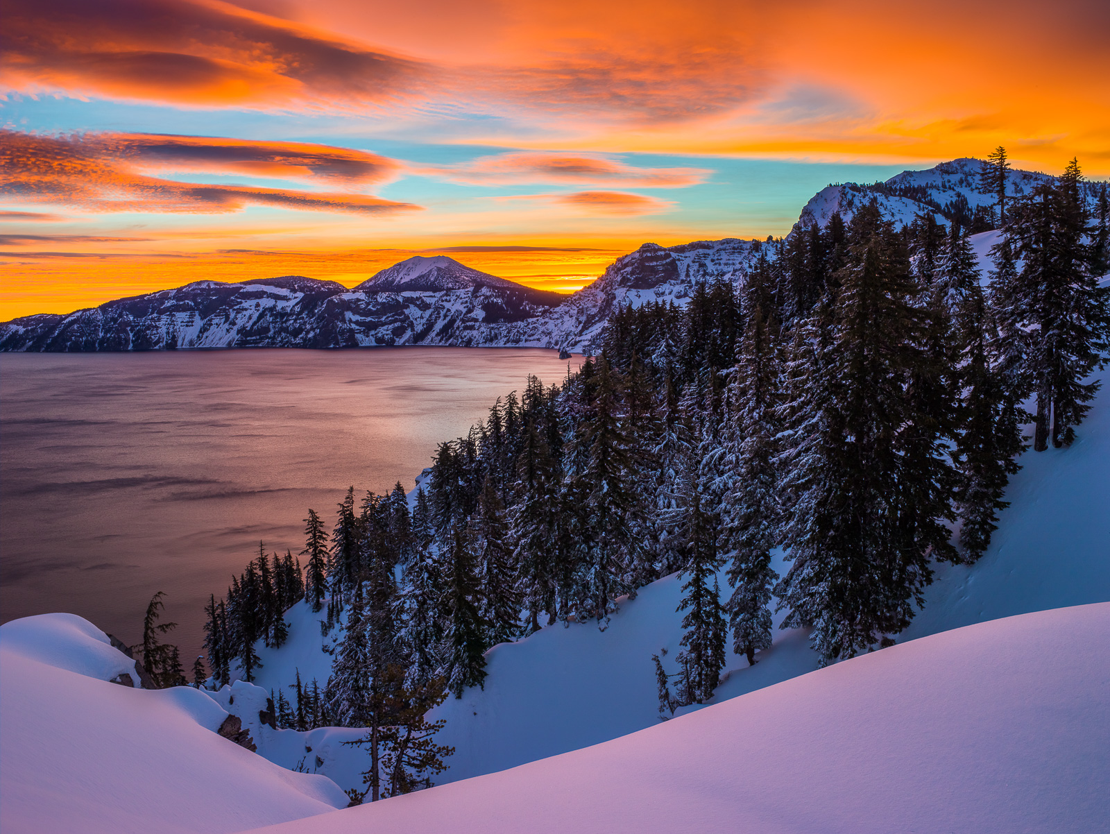 Crater Lake in Orange, Crater Lake National Park, Oregon, winter, snow, photo