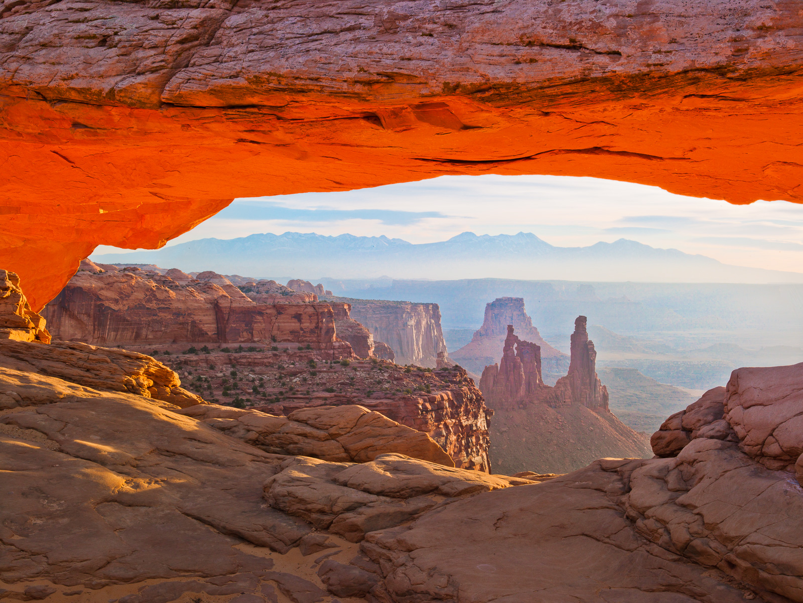 Arches Morning Light,Canyonlands NP,Mesa Arch,Sunrise,Glow, photo