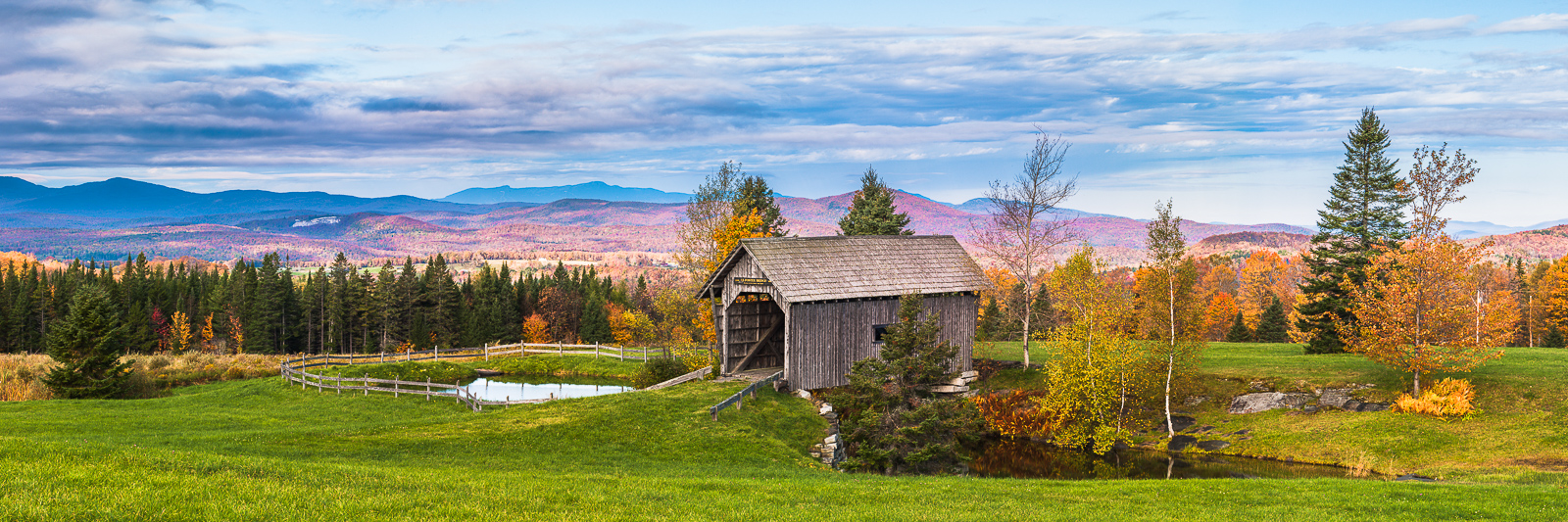 A Vermont Bridge,Covered Bridge, Vermont, Autumn, foliage,New,England, photo